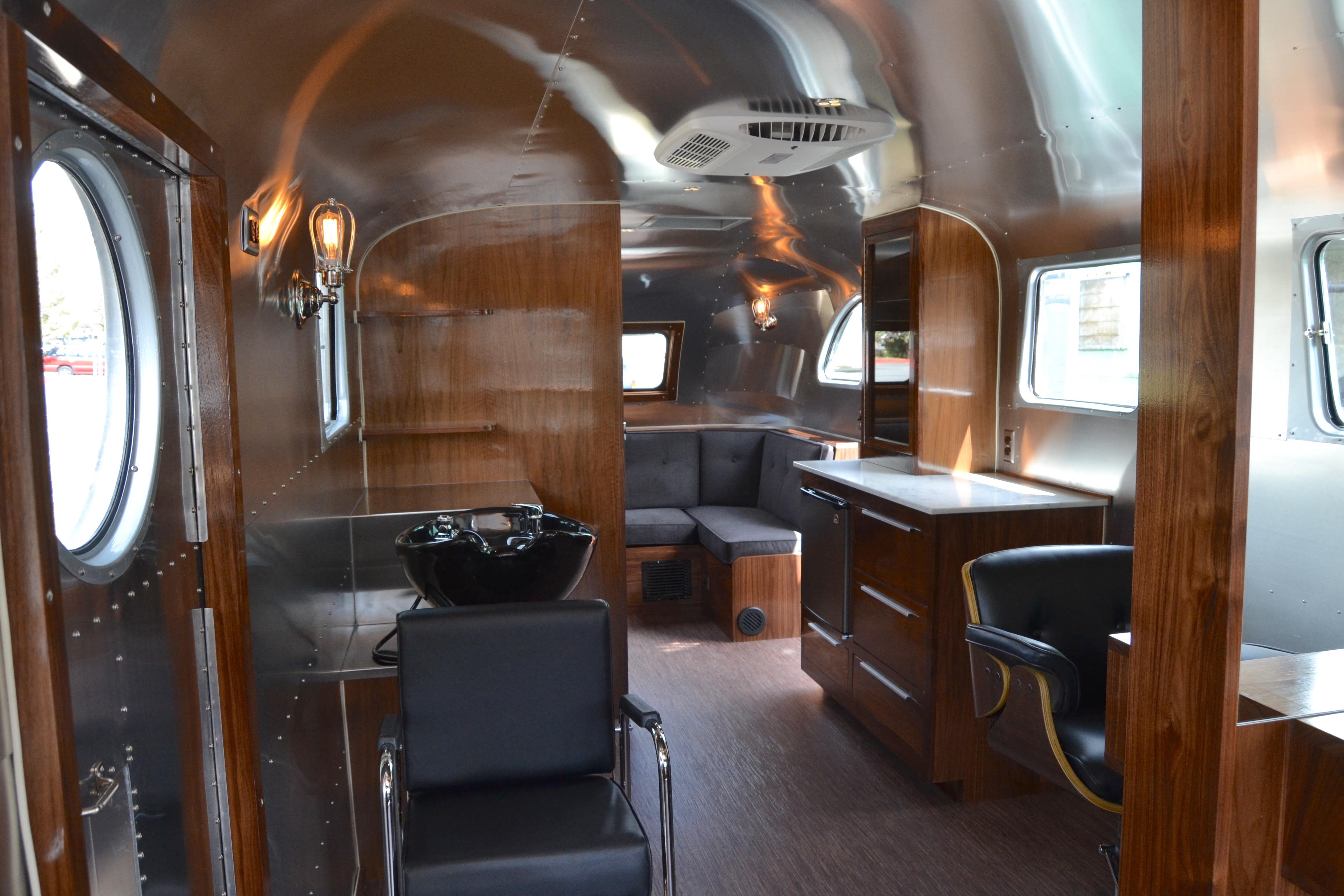 1946 Spartan Manor Mobile Salon