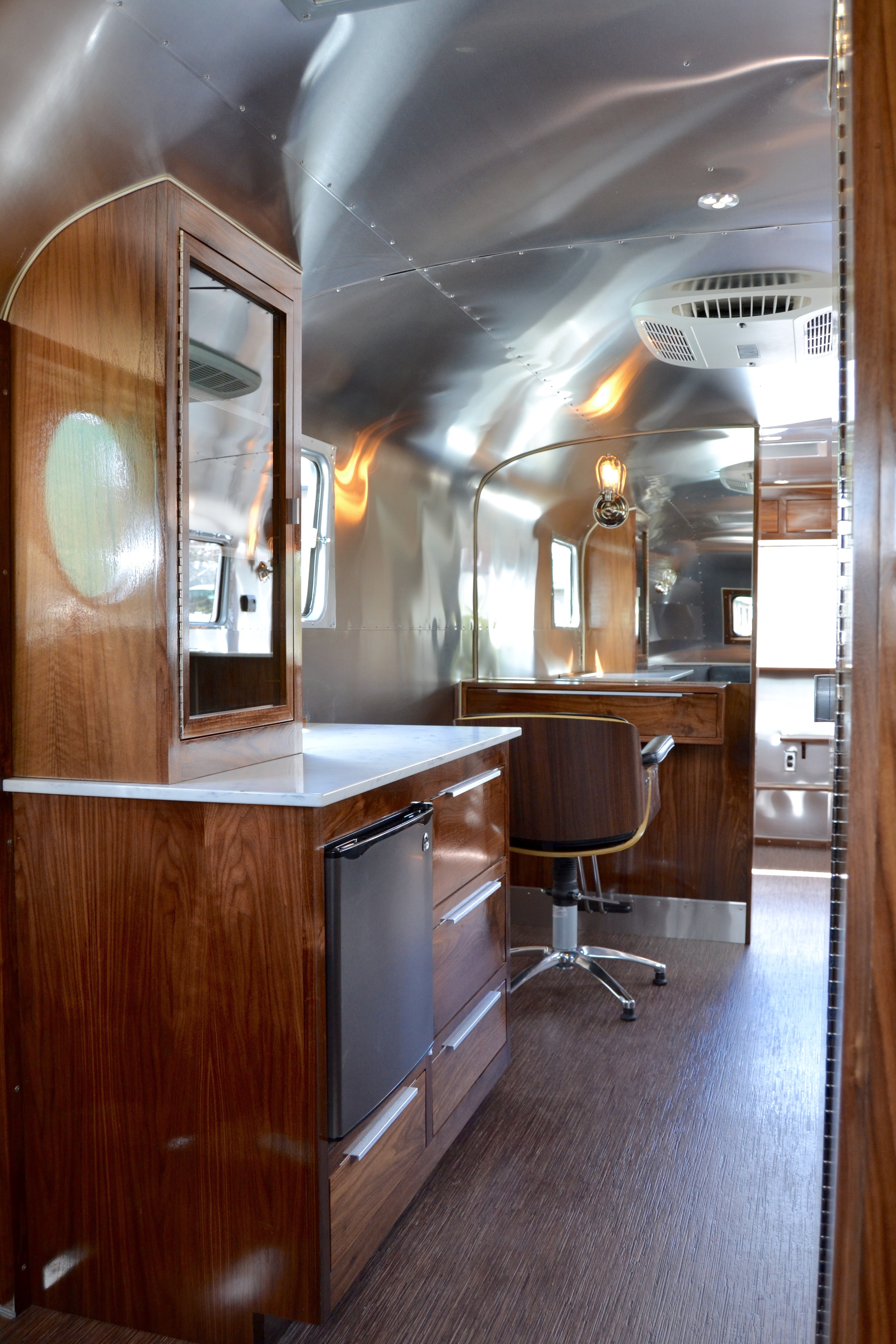 1946 Spartan Manor Mobile Salon